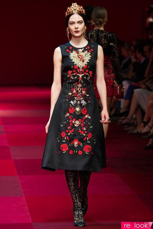 Dolce & Gabbana весна-лето 2015 - кружево, золото и гвоздИки