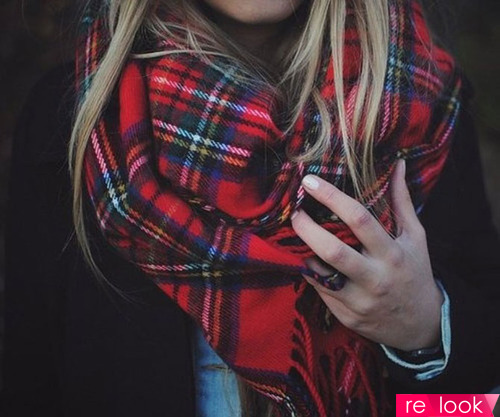 Как стильно и просто завязать палантин на пальто