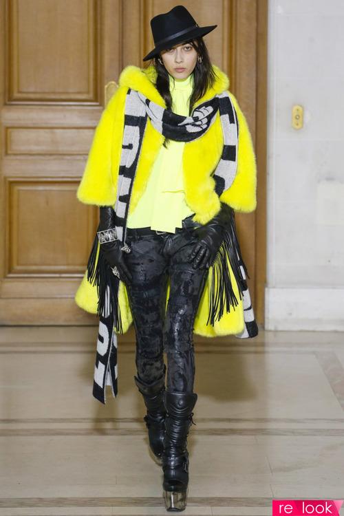 Длинный шарф – тренд моды сезона