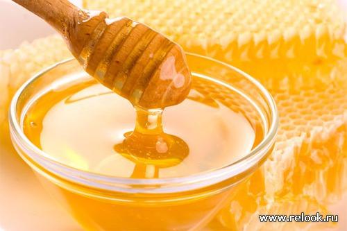 Для красивой кожи лица: мед и мать-и-мачеха.
