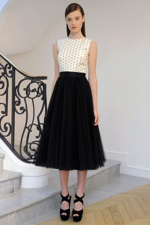 Christian Dior Resort 2013: лаконичная романтика