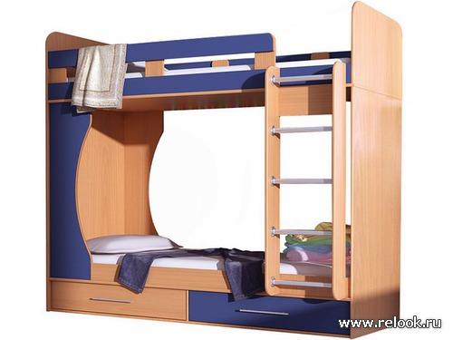 Двухъярусные кровати в детской комнате