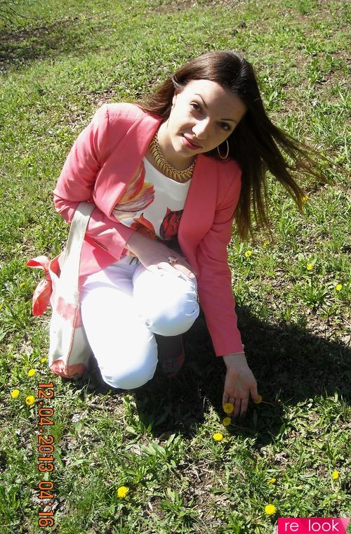 Коралловая весна, приправленная цветами))