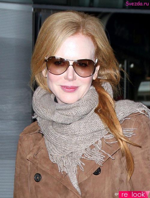 Как просто и красиво повязать шарф поверх пальто?