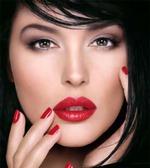 Антивозрастная косметика на службе женской красоте
