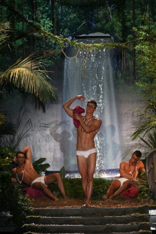 Dsquared2 весна 2014: джунгли зовут!