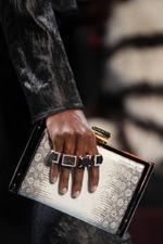 Модные кольца: сколько их надо и как носить?