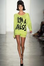 """В моде 2014 - """"говорящая одежда"""""""
