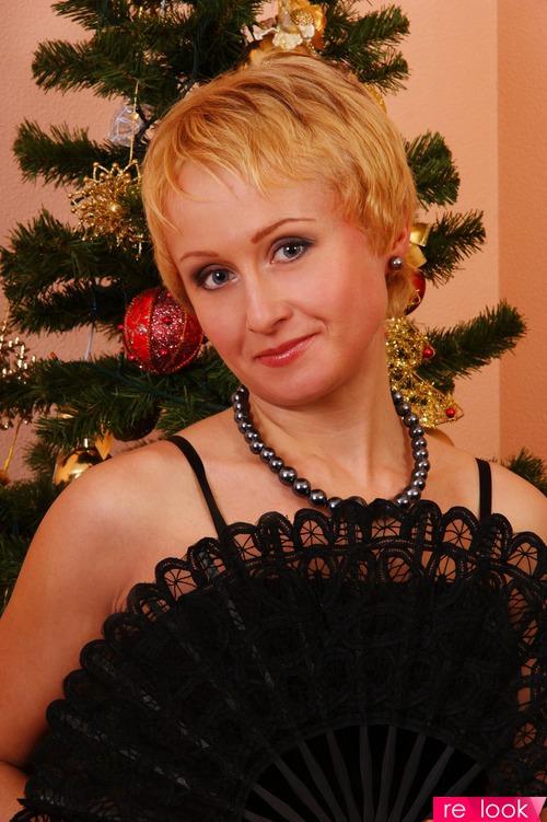 Как ребенок радуюсь и жду Новый год....счастлива безумно