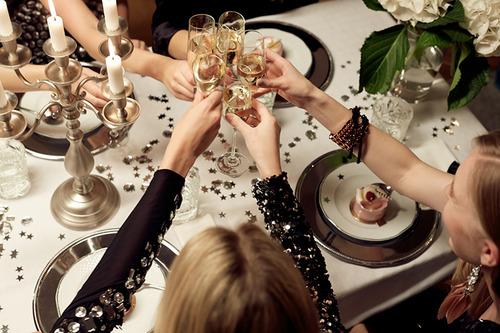 Как, с кем и в чем встречать Новый год?