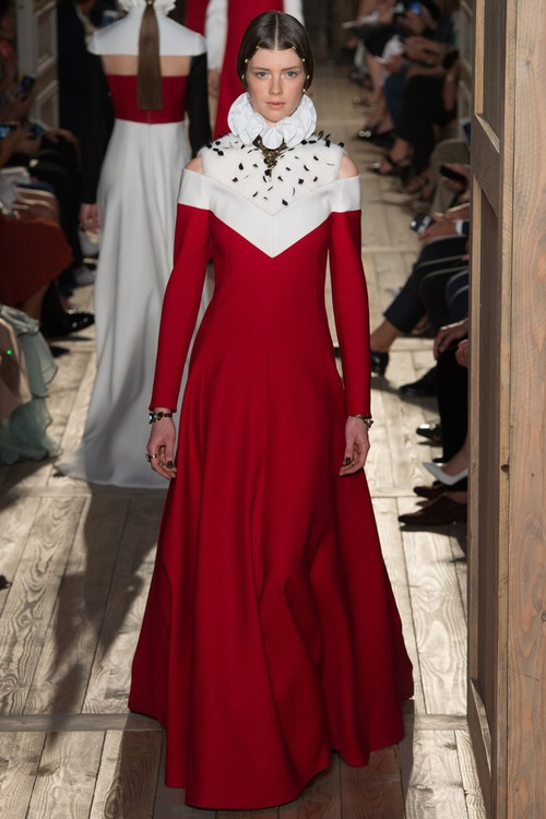 Valentino Fall 2016 Couture: весь мир - театр!