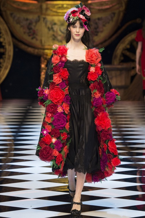 Dolce & Gabbana осень 2016 - следуй за мечтой, принцесса