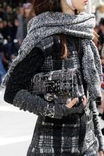 Мода осень-зима 2016-2017: платки, шарфы и палантины