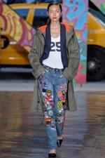 Какие  джинсы стоит купить к весне 2018?