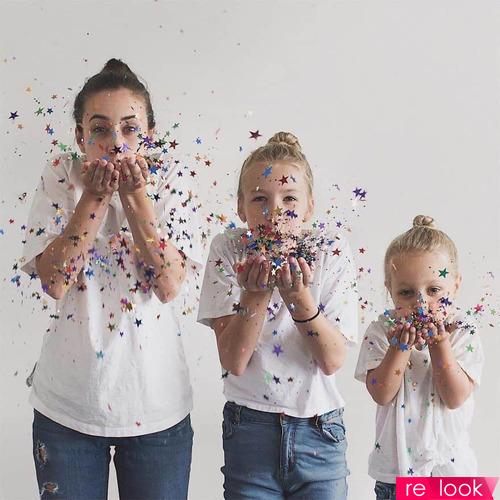 Креативная домохозяйка и ее дочки: идеи семейной фотосессии