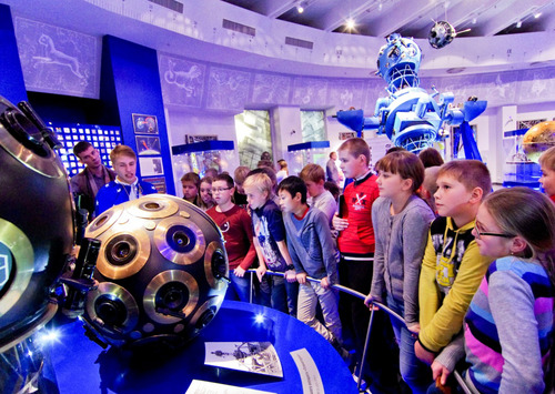 В Московском Планетарии открыт прием заявок на школьные экскурсии в марте