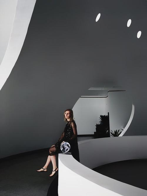 """Яна Грищук и сумка-луна - """"синтез природы и технологий"""""""