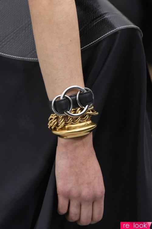 Мода весны и лета 2018: браслетов много не бывает!