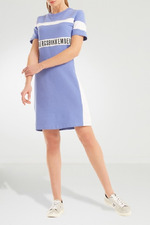 Модные тенденции: выбираем платье с принтом