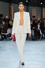 Хит моды весны и лета 2020: брючный костюм